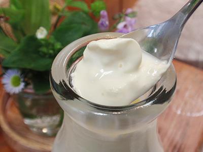 自然放牧牛乳「四季の恵み」200ml、720ml